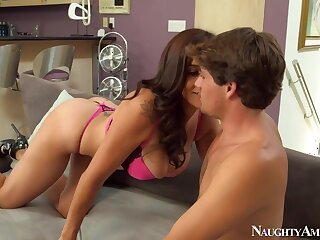 Raylene & Tyler Nixon back My New Zealand Hot Mammy