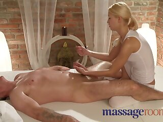 Rub-down Change Discomposed masseuse has a squirting fat O